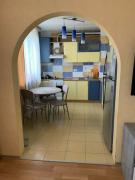 Продам 4-х комнатную квартиру возле метро Г. Труда