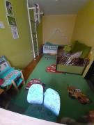 Продам трехкомнатную квартиру возле ст.м. Армейская